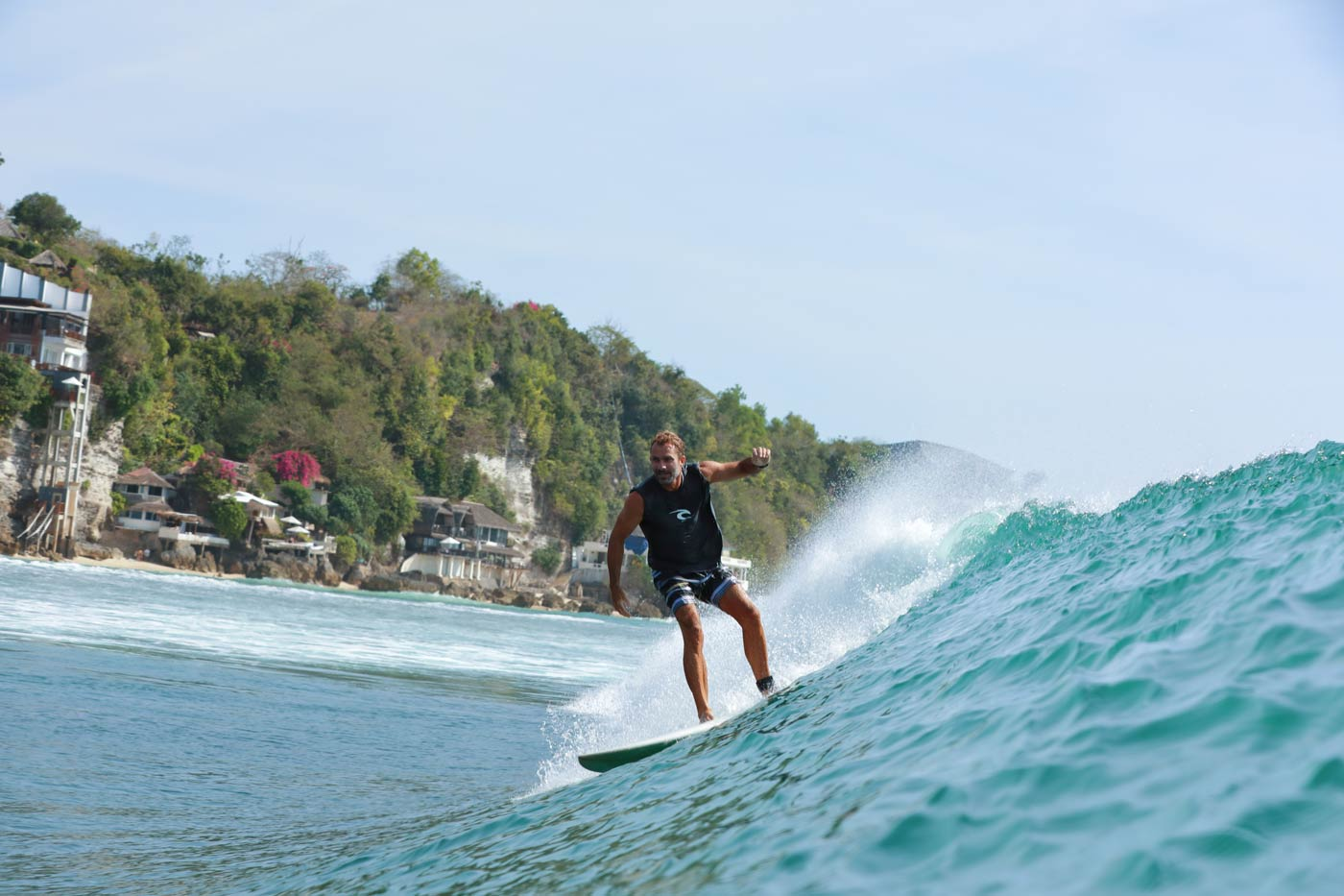 TOP 10 SURFING TIPS FOR INTERMEDIATE SURFERS